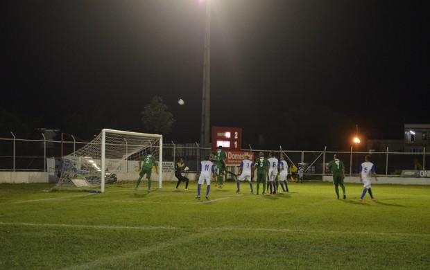 Independente bate o Macapá por 3 a 1 pelo 'Amapazão' 2013 (Foto: Jonhwene Silva/GE-AP)