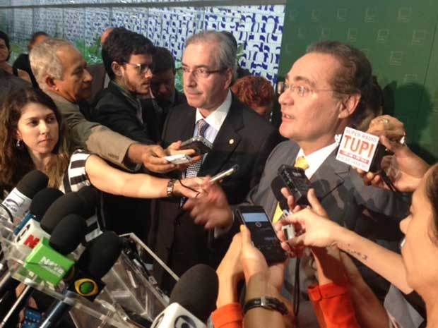 Eduardo Cunha (esq.) e Renan Calheiros concedem entrevista coletiva na Câmara