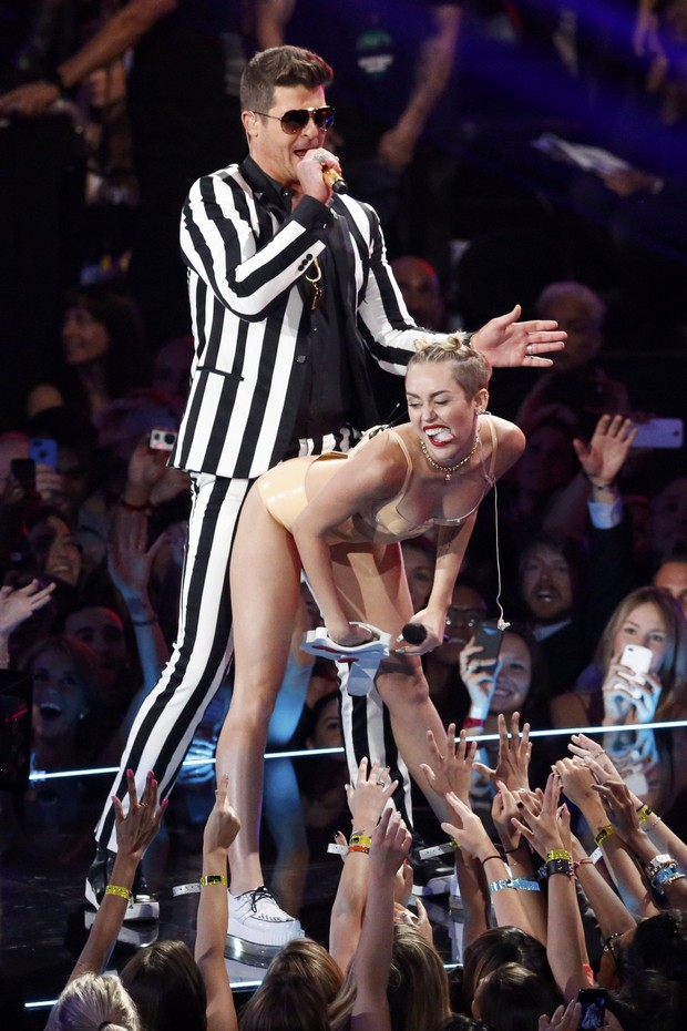 Miley Cyrus e Robin Thicke (Foto: Reuters)