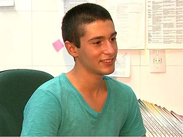 Aos 16 anos, Matheus Freitas foi aprovado em nove universidades pelo curso de medicina (Foto: Marcio Meireles/EPTV)