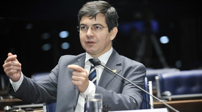Randolfe Rodrigues senador (Foto: Agência Senado)