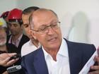 'Deveria se preocupar com a crise', diz Alckmin sobre pré-candidatura de Lula