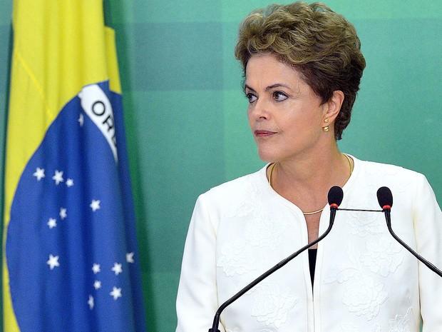 A presidente Dilma Rousseff manifesta indignação com a aceitação do pedido de impeachment, pelo presidente da Câmara, Eduardo Cunha  (Foto: Wilson Dias/Agência Brasil)
