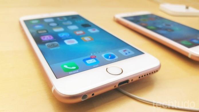 iPhone 6S é mais fino que o S7 (Foto: Thiago Lopes/TechTudo) (Foto: iPhone 6S é mais fino que o S7 (Foto: Thiago Lopes/TechTudo))