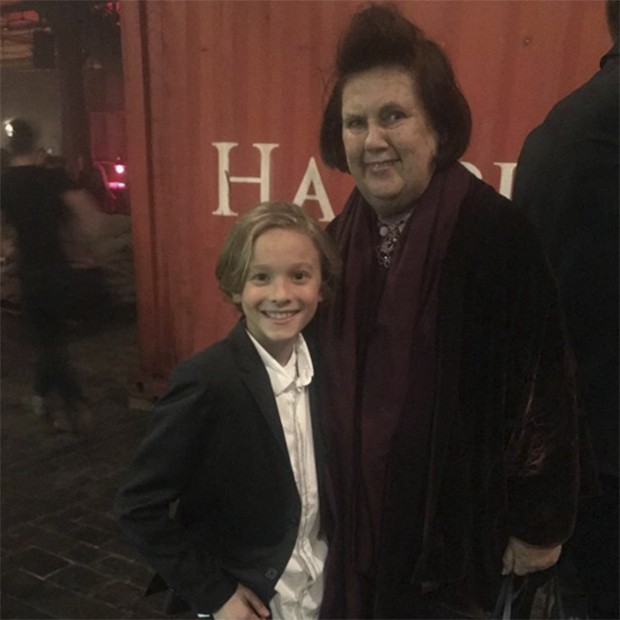 Well done Hudson for walking around a puzzle of levels and rows of the concert hall at the Chanel Metier d'Art show in Hamburg! 'Thank you,' he replied sooooh! politely. (Foto: @suzymenkesvogue)