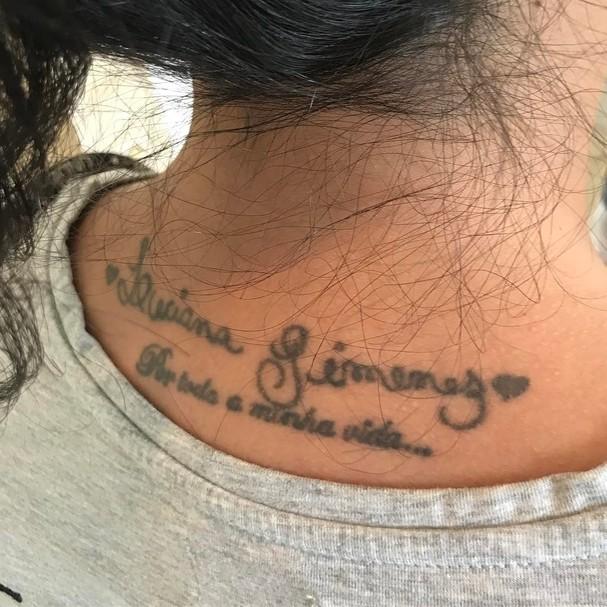 Fã tatua Luciana Gimenez embaixo da nuca (Foto: Reprodução Instagram)