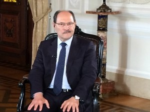 Governador José Ivo Sartori concede entrevista para RBS TV e G1 (Foto: Daniel Favero/G1)