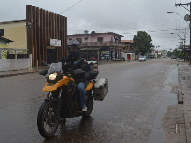 Aventureiro chegou à Macapá após iniciar o sonho de percorrer toda a América do Su (Foto: Dyepeson Martins/G1)