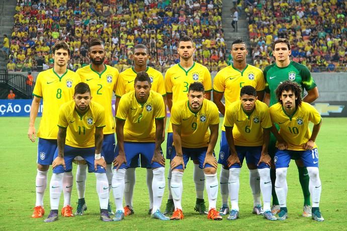 Time posado do Brasil sub-23 antes do amistoso contra o Haiti em Manaus (Foto: Edmar Barros/Agência Estado)