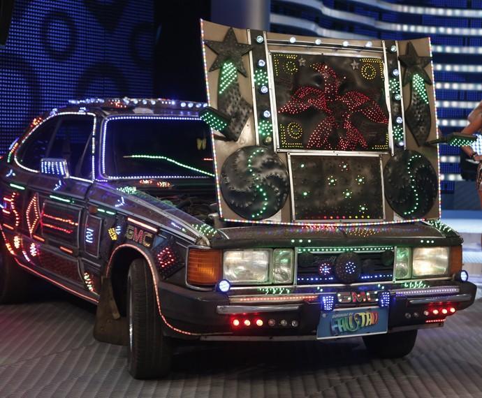 Carro inusitado de Ilhéus aparece no palco do Domingão (Foto: Inácio Moraes/Gshow)