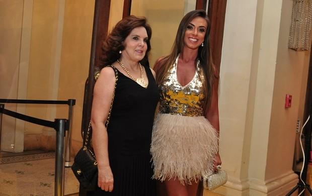Nicole Bahls e a mãe Vera Barbosa (Foto: Roberto Teixeira/EGO)