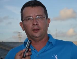 Tassiano Gadelha, treinador do Atlético de Cajazeiras (Foto: Hévilla Wanderley / GloboEsporte.com)
