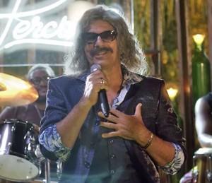 Evandro Mesquita participa da segunda temporada de Mister Brau (Foto: TV Globo)