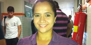Professora Amanda Gurgel, do PSTU  (Foto: Caroline Holder/G1)