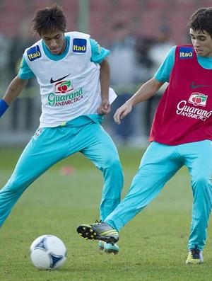 Neymar e Oscar em treino da seleção brasileira (Foto: Reprodução / Instagram)