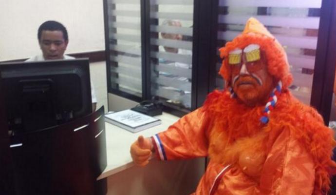 Turista holandês assaltado no Pelourinho na abertura da Copa do Mundo (Foto: Proven Quality/Provenquality.com)