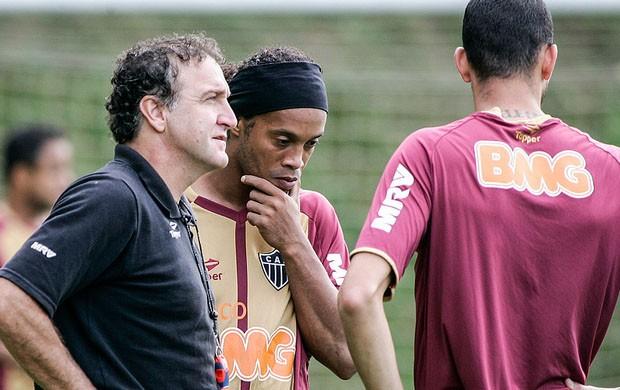 Cuca confirma Ronaldinho no time titular (Foto: Bruno Cantini / Site Oficial do Atlético-MG)