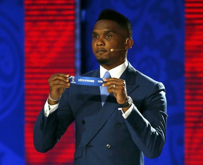 Eto'o sorteio eliminatórias da copa (Foto: Reuters)