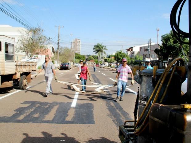 Durante os trabalhos, agentes de trânsito estarão no local orientando os motoristas (Foto: Farid Fahed/ PMCG)