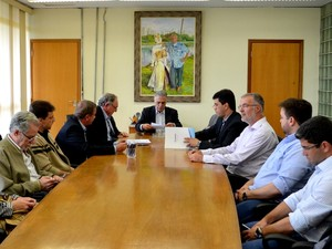 Agência PCJ assina convênio para transformar água de esgoto em água potável em Piracicaba  (Foto: Claudia Assencio/G1)
