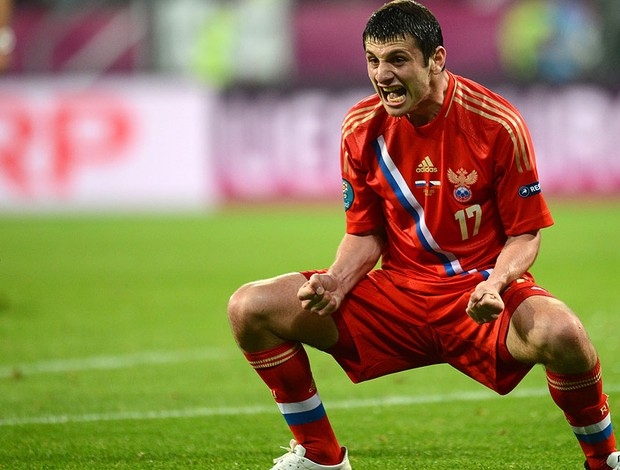 Dzagoev terceiro gol, Russia x República Tcheca (Foto: Agência AFP)