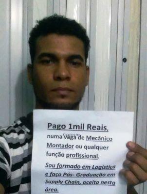 Homem oferece R$1 mil por emprego em Cubatão (Foto: Edson Almeida/Arquivo Pessoal)