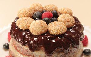 Naked cake com recheio de paçoca