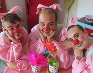 """Teatro Infantil – """"Os Três Porquinhos e o Lobo Bobo"""" (Foto: Divulgação)"""