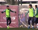 """Último a chegar a treino, Neymar leva """"bronca"""" do amigo Suárez, e Messi ri"""
