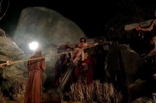 Gravação da cena do calvário (Foto: Marcelo Loureiro/AgNews)