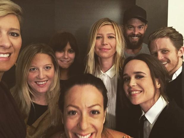 Ellen Page posta foto com a namorada e amigos (Foto: Reprodução/Instagram)