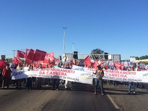 Servidores federais pedem reajuste salarial e melhora no plano de carreira em Goiás (Foto: Vitor Santana/ G1)