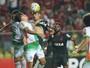 Menos caô, mais gols e finalizações: Guerrero vira o jogo na volta ao Ninho