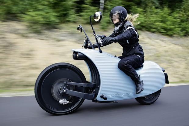 Austríacos criam moto elétrica que viaja por 200 km sem recarga