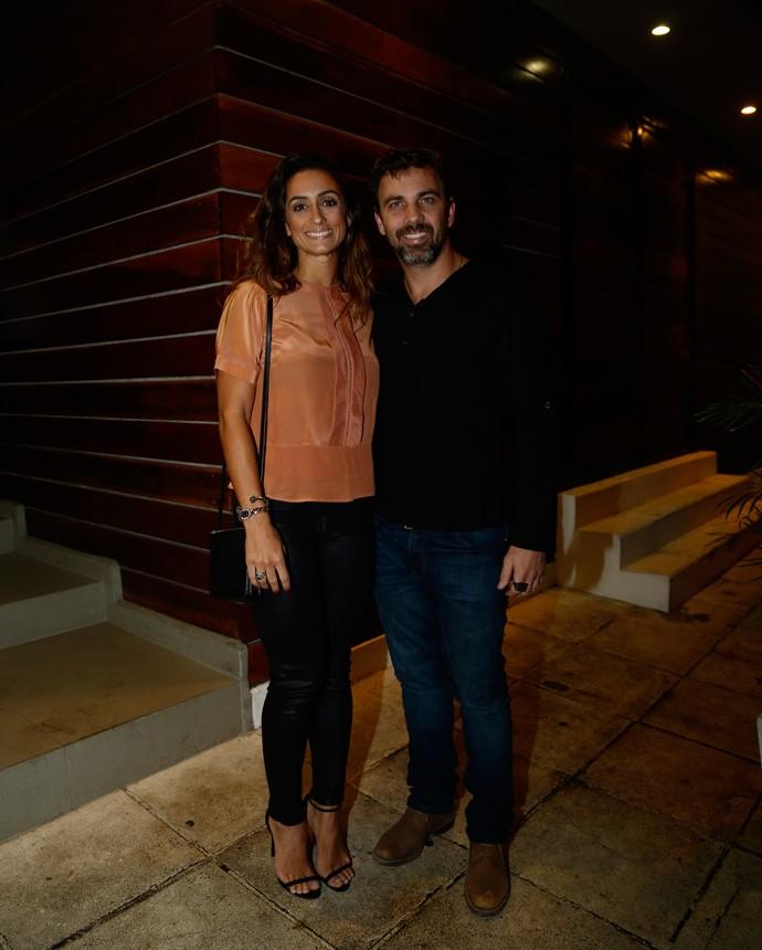 Marcelo Faria chegou acompanhado pela esposa, Camila Lucciola (Foto: Raphael Dias/Gshow)