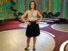 Fátima Bernardes combina blusa sem decote com saia levemente rodada
