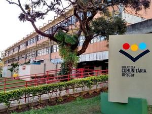 Biblioteca da UFSCar em São Carlos está fechada desde maio (Foto: Fabio Rodrigues/G1)