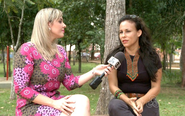 Regina Maciel fala sobre a carreira no estado. Já são 17 anos dedicados aos palcos (Foto: Bom Dia Amazônia)