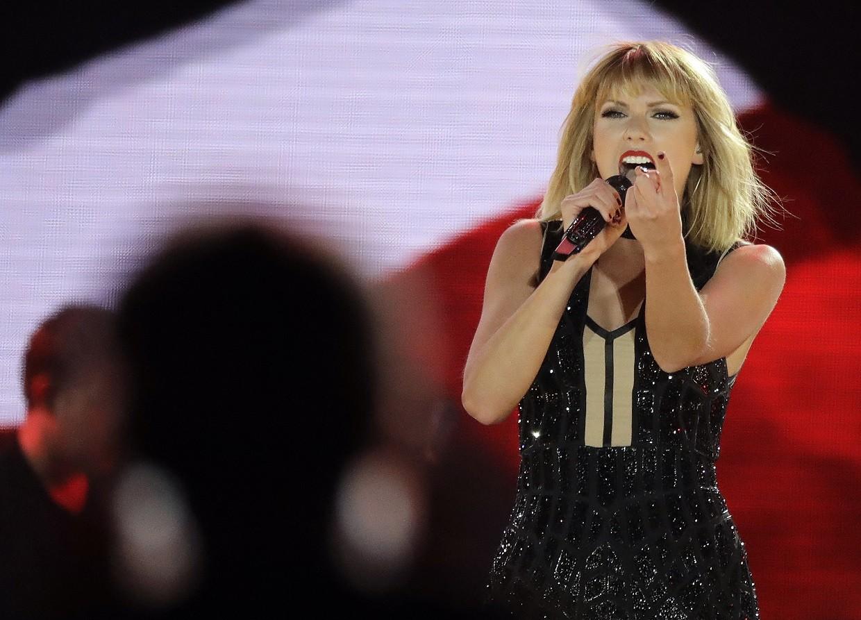 Taylor Swift no show que fez semana passada nos Emirados rabes, uma das poucas apresentaes do ano (Foto: Associated Press)