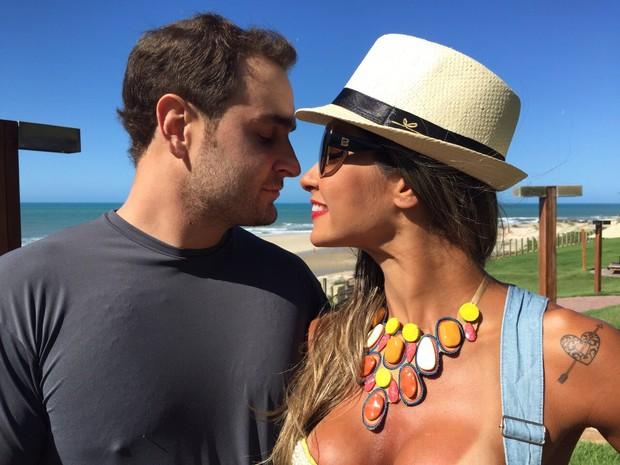 Mayra Cardi e o marido (Foto: Arquivo Pessoal)