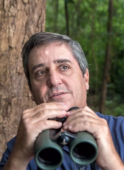 Edson Endrigo: ele já fotografou 1,5 mil espécies de aves, de um total de 1,8 mil existentes no Brasil (Foto: Fernando Martinho)