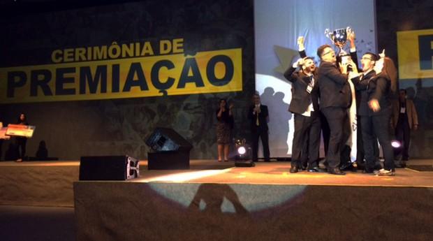 Os universitários do Instituto Federal de Educação, Ciência e Tecnologia do Ceará (IFCE) celebrando a primeira colocação  (Foto: Arquivo pessoal)