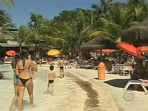 Parque Thermas dos Laranjais tem mais de 50 piscinas termais naturais. (Foto: Reprodução/TV Globo)