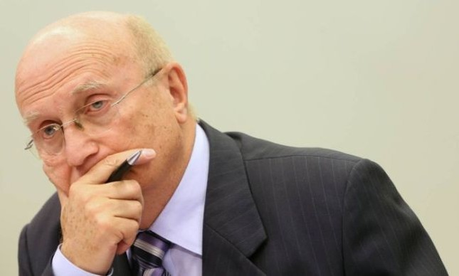 O deputado Osmar Serraglio (PMDB-PR), presidente da CCJ (Foto: Andre Coelho / Agência O Globo)