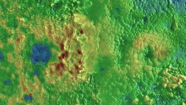 Piccard Mons (à esq.) and Wright Mons (à dir.); as cores da imagem divulgada pela Nasa indicam a altura: azul é baixo, verde é intermediário e marrom é alto (Foto: NASA/JPL-JHU/SWRI)