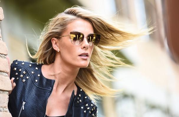 Ana Hickmann Eyewear lança campanha com o tema metamorfose - Glamour ... 54e9235038