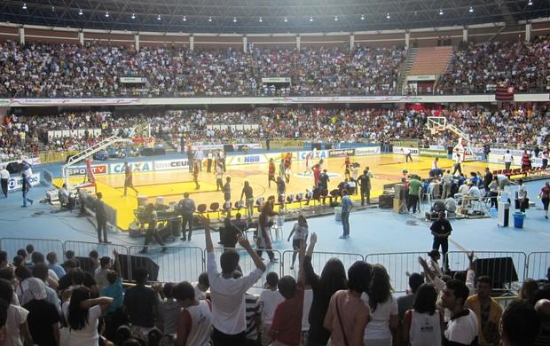 basquete NBB - Brasilia x Flamengo (ginásio lotado) (Foto: Lydia Gismondi)