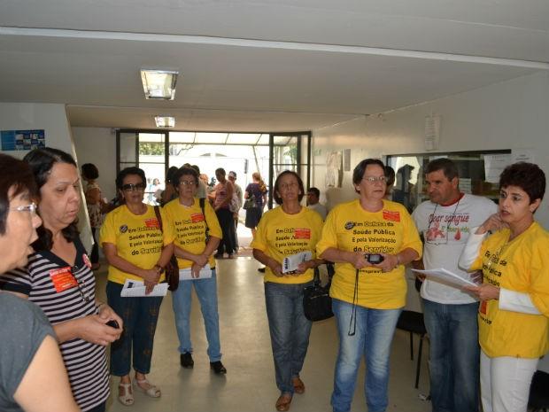 Servidores federais da saúde fazem protesto em Araraquara (Foto: Felipe Turioni/G1)
