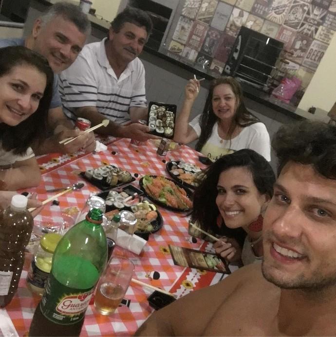 Em Goierê, muita festa e comida, segundo Kamilla (Foto: Arquivo pessoal)