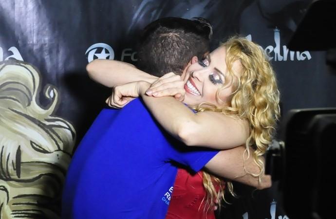 Uma vida esperando por este abraço. (Foto: Se Liga VM)